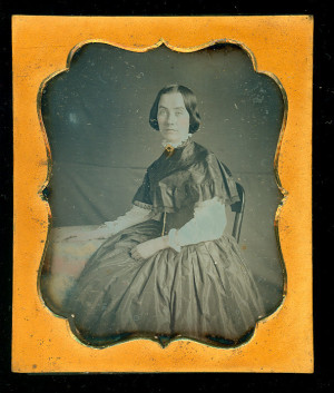 Daguerreotype of an attractive lady, nicely posed